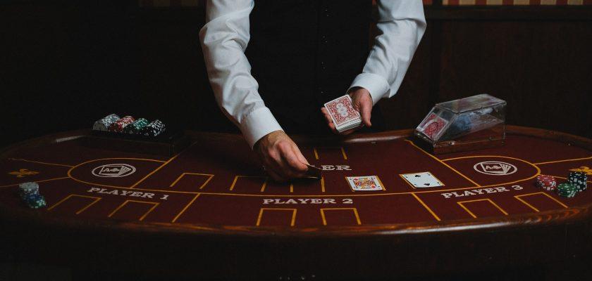 How to Play Poker for Beginners: Basic Poker Rules